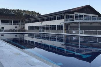 piscina clube acabiara
